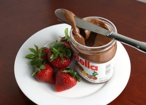 By esimpraim, Strawberries and Nutella, https://flic.kr/p/7XPBpt, under CC BY-NC-ND 2.0.