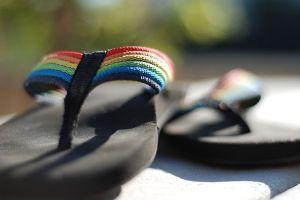 640px-Rainbow_flip-flops