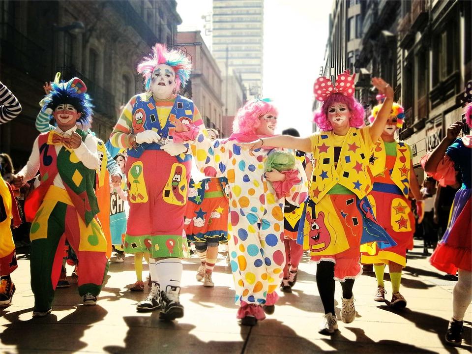 clowns-699167_960_720